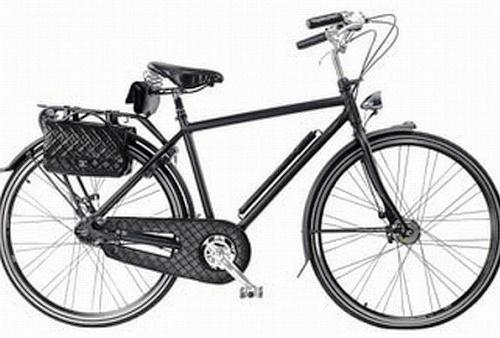 071203 bike chanel.jpg