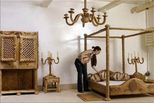 ダリの家具